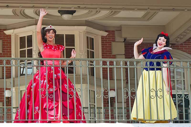 Your Royally Good Guide to Finding Princesses at Disney World