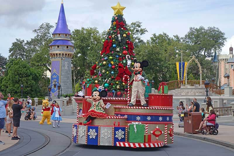 Complete Guide to Walt Disney World Resort Christmas Events