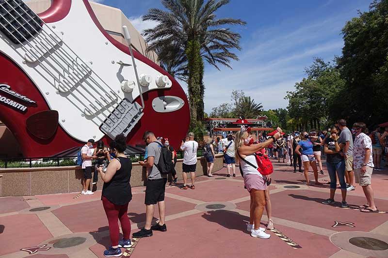 Rock'n'Roller Coaster Crowds at Disney's Hollywood Studios