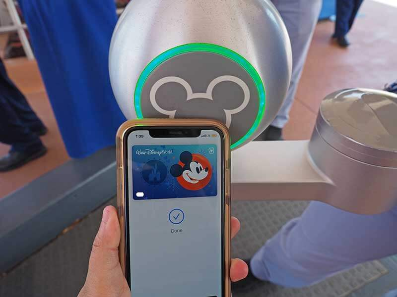 Enter Disney World with A Wave of Your Device! Disney MagicMobile Service Now Available