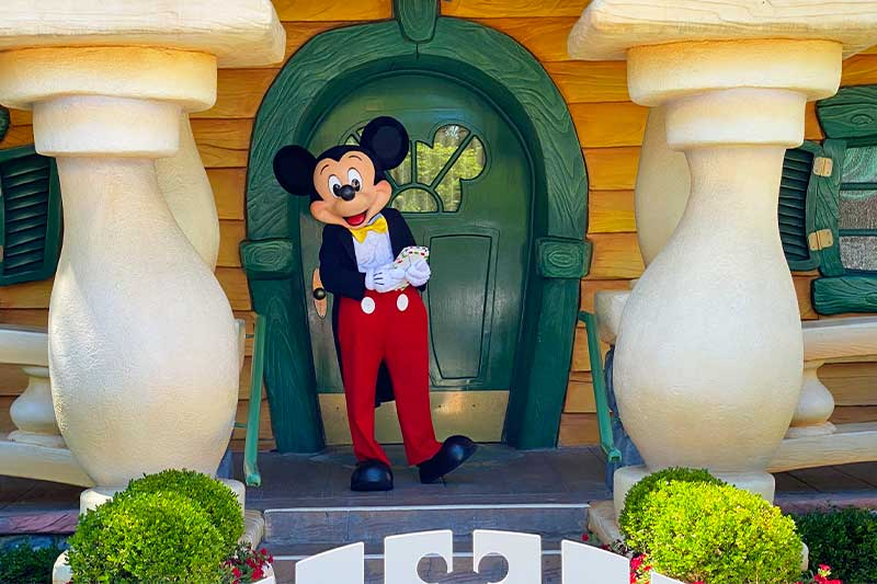 The Magic Is Back at Disneyland! Tickets & Reservations Available Now
