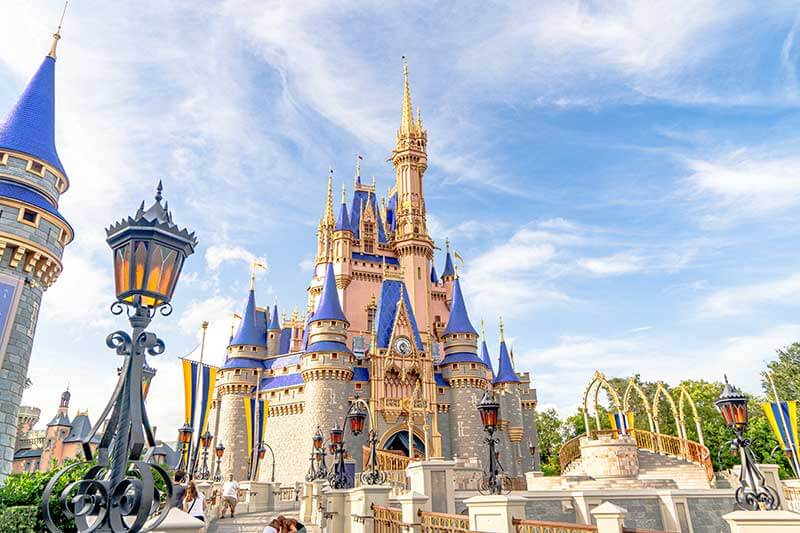 'We're Going to Disney!' How to Surprise Your Kids with a Disney Trip