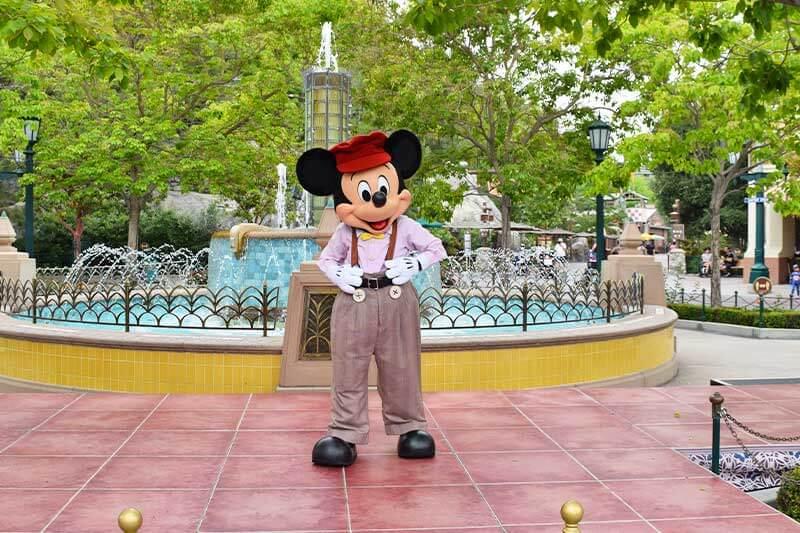 20 Tips for Visiting Disneyland in Summer 2021