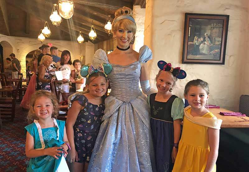 Ranking the Frog Family's Favorite Disney World Character Dining Experiences