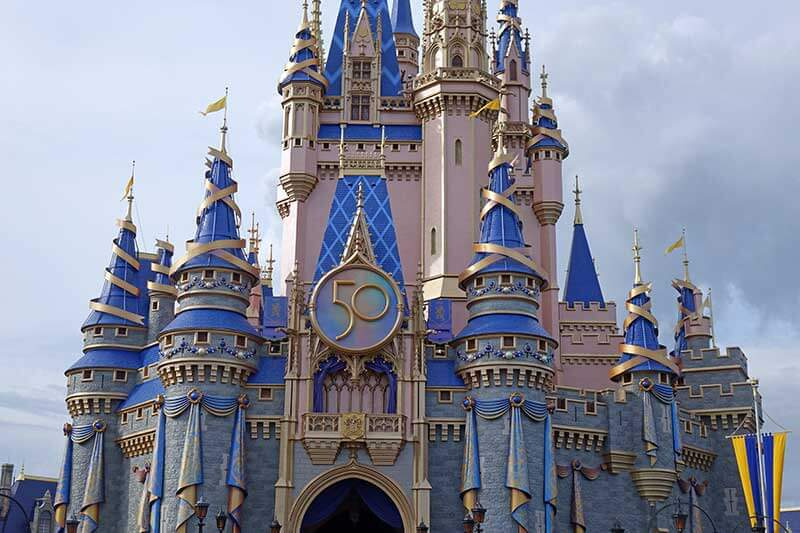 ~Hoppin'~ News — Undercover Tourist Now Offers Disney Genie+ Tickets for Disneyland and Disney World!