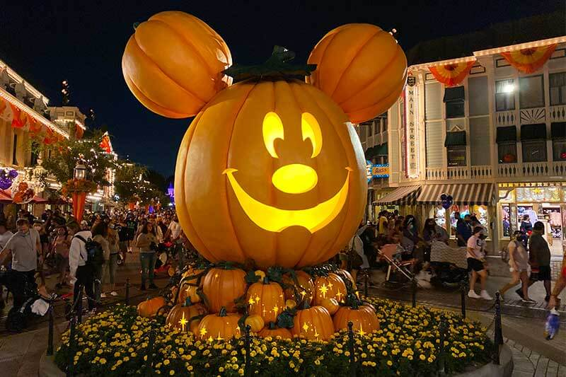 Our Spooky-Good Guide to Disneyland Halloween Time 2021