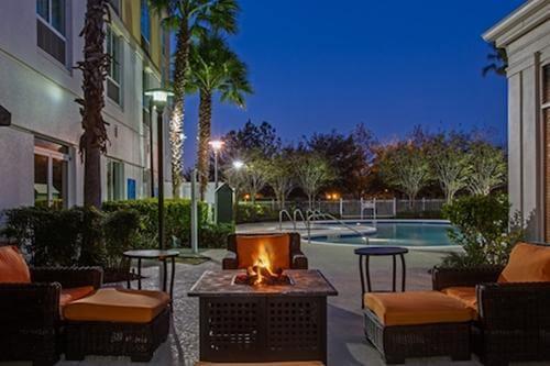 hilton garden inn at seaworld orlando hotels undercover. Black Bedroom Furniture Sets. Home Design Ideas