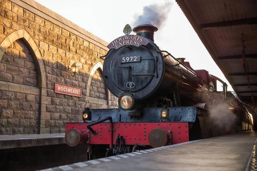 Hogwarts™ Express: Hogsmeade™ Station