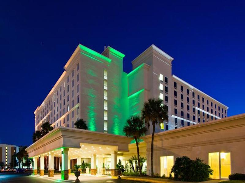 Holiday Inn Amp Suites Across From Universal Orlando Hotels