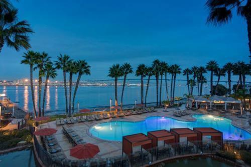 Coronado Island Hotels With Kitchen