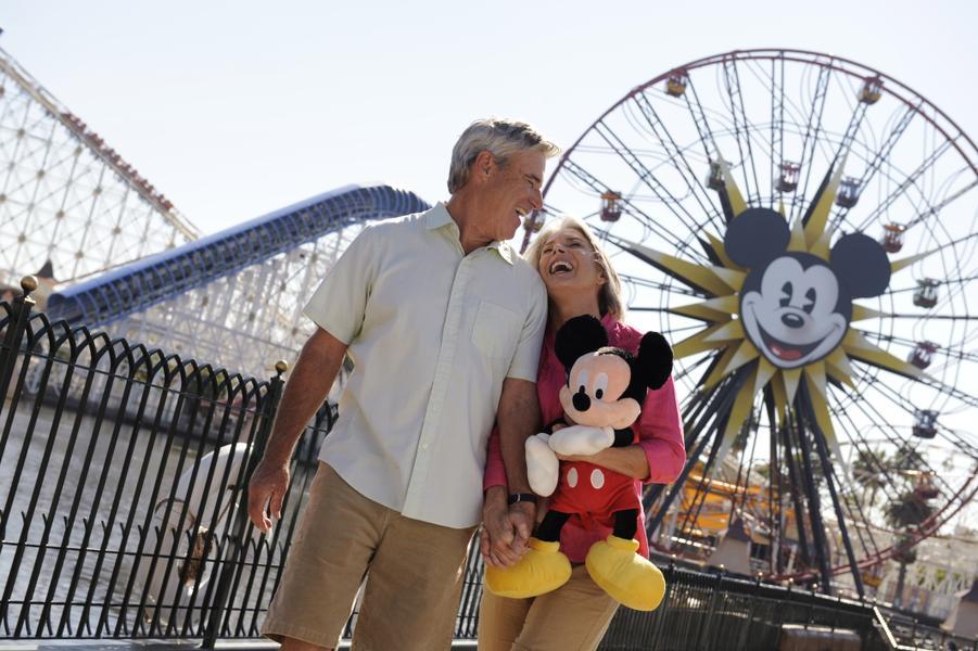 Mickey's Fun Wheel - Non-Swinging