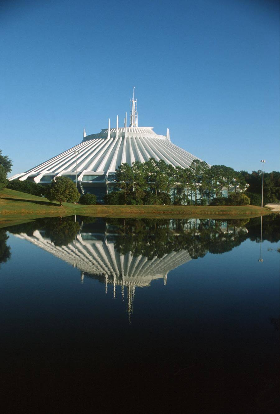Space Mountain® Attraction
