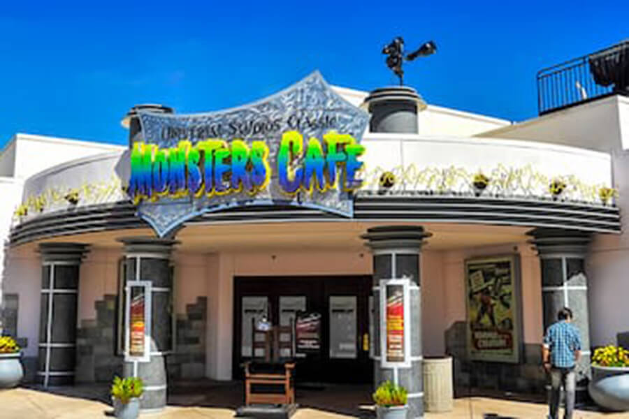 Universal Studios' Classic Monsters Cafe™