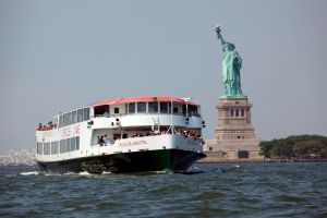 Circle Line Sightseeing: Landmarks Cruise