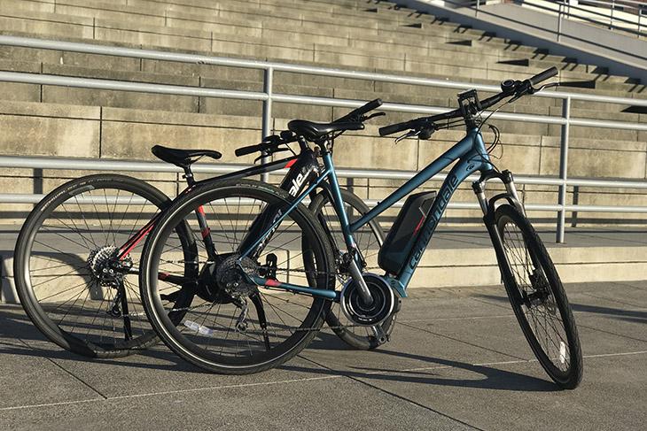 Unlimited Biking: New York E-Bike 4 Hour Rentals