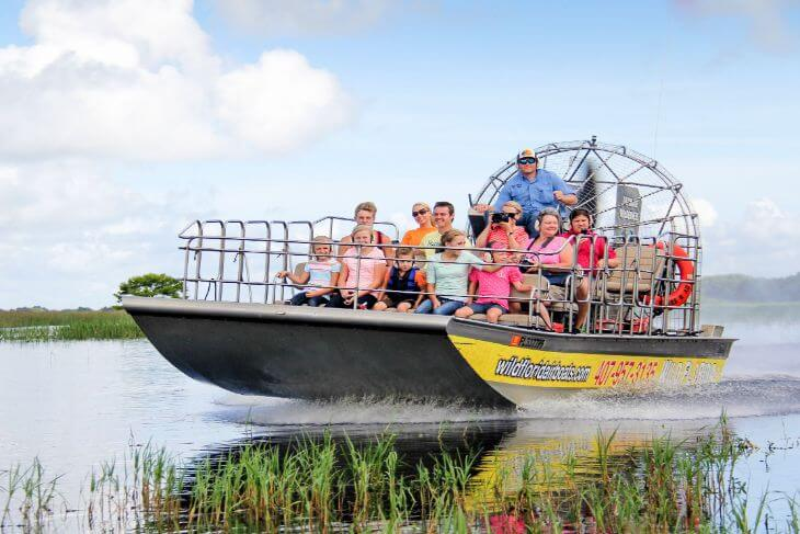 Wild Florida: 1-Hour Airboat Tour and Safari Park Combo