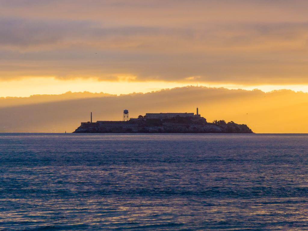 Alcatraz and 4 in 1 tour Hop On Hop Off